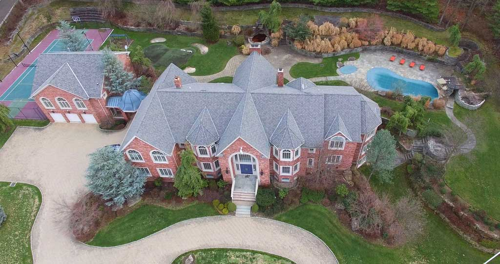 Nine Years Later Diddy Finally Sells Sprawling Alpine Nj Estate
