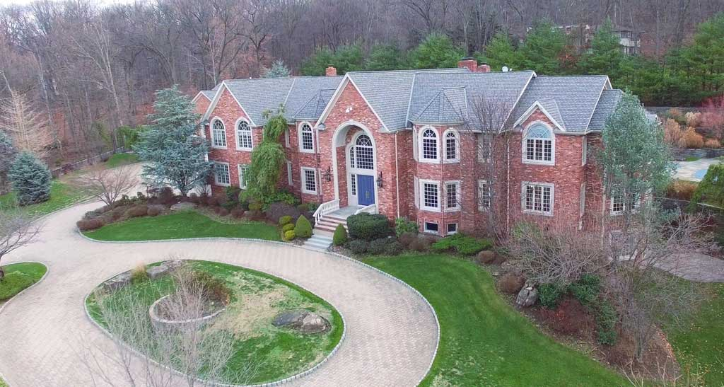 homes for in alpine nj nine years later diddy finally sells sprawling alpine nj 658