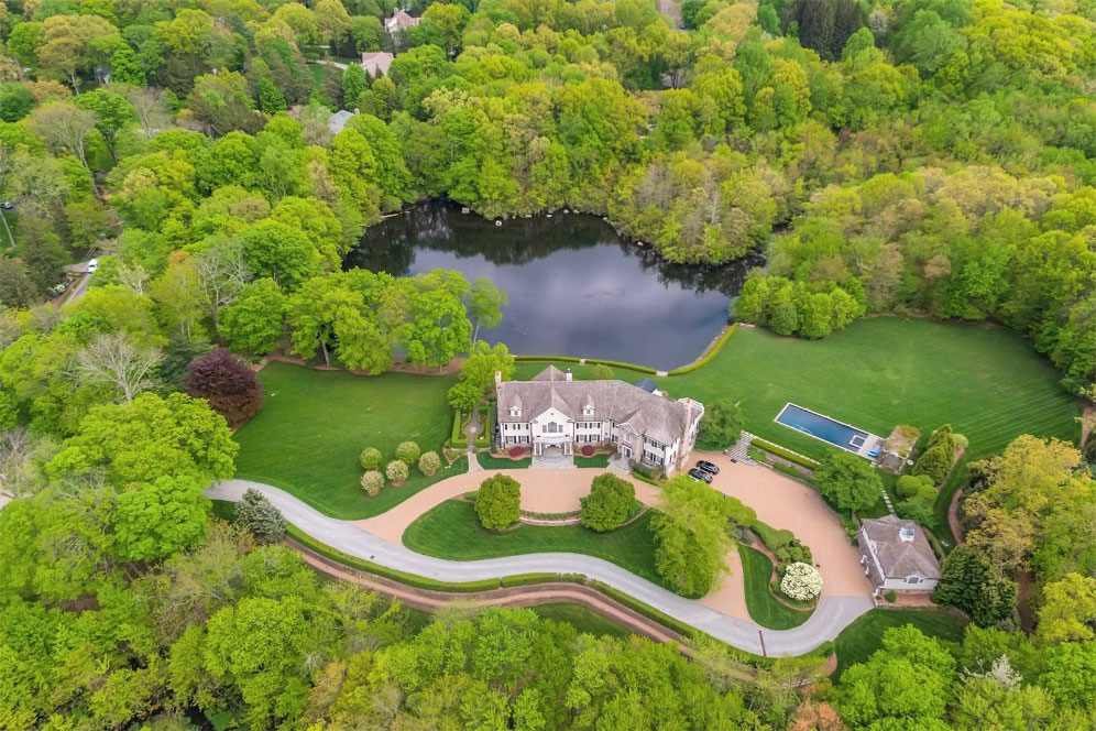 Former Nfl Quarterback Phil Simms Re Lists Franklin Lakes